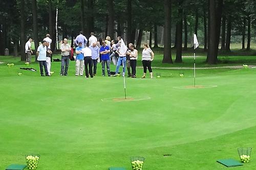 1 golfclinic 2.5 uur van Paul Looijmans voor max 8 personen